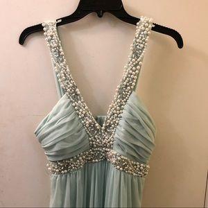 Dresses & Skirts - Floor length formal dress
